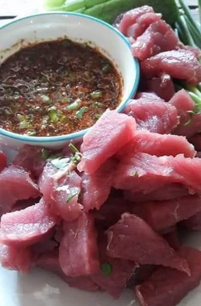 ซอยหาง, เนื้อ, เนื้อดิบ, ซี่น, แจ่ว, เนื้อจิ้มแจ่ว, อาหาร, อาหารอีสาน, แนวกิน, ซอยจุ,
