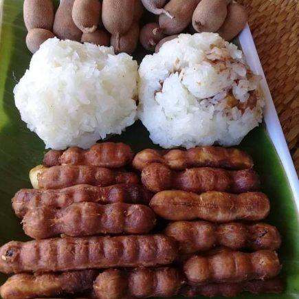 ข้าวเหนียวบายบักขาม, ข้าวหนียว, มะขาม, ข้าวเหนียวห่อมะขาม, อาหาร, อาหาอิสาน, แนวกิน, Tamarind mixed with sticky rice, Tamarind, rice, sticky rice,